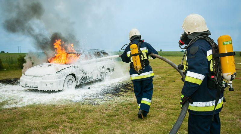 kominek przyczyną pożaru